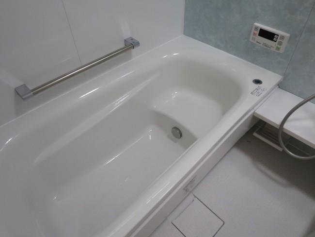 浴室の浴槽は ラウンド浴槽 と ...